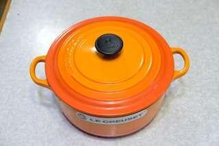 全新 Le Creuset 20 cm 特別色 橙色 圓型煲 Signature round casserole