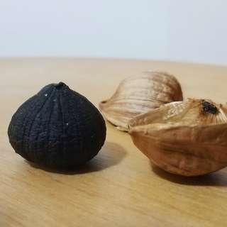 Home-made Mono-Cloved Black Garlic x 12