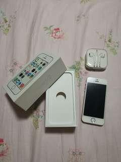 IPHONE 5S GOLD with Original Box &Unopened Apple Earphones