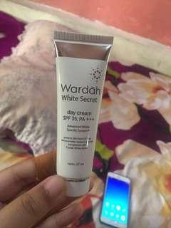 Day cream wardah white secret