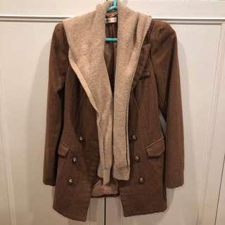 🚚 (韓版女裝) 可拆式假兩件混羊毛單排扣外套 - 駝/S