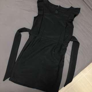 🚚 Black Ruffle Dress