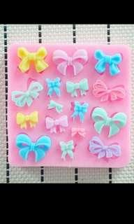 Mini Bow Silicone Mould Cake Decoration (free normal postage)