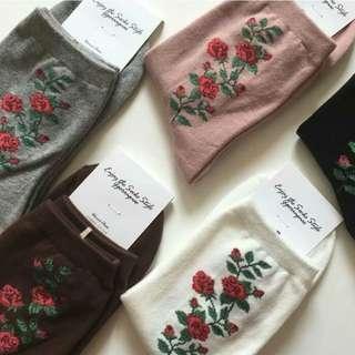 Gray Flower Socks