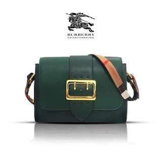 Burberry sling bag 👍