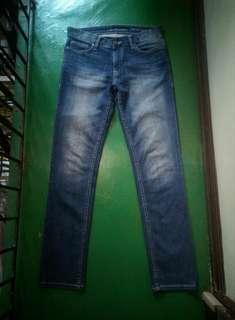 CALVIN KLEIN Slim Straight Jeans (29)