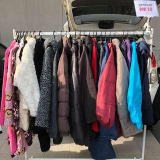 Winter Coat / Trench Coat / Heattech at Carboot Sale Dpulze Cyberjaya