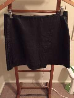 Mini skirt leather