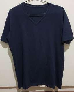 Uniqlo Plain V-Neck Shirt