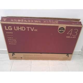 """43"""" Empty TV Box"""