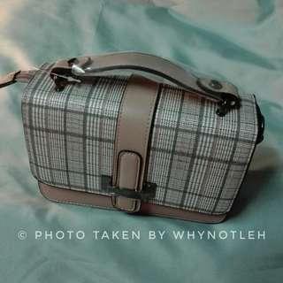 🚚 K-style pink checker hangbag