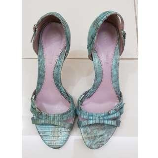 SALE🔥 KENNETH COLE open toe croc style
