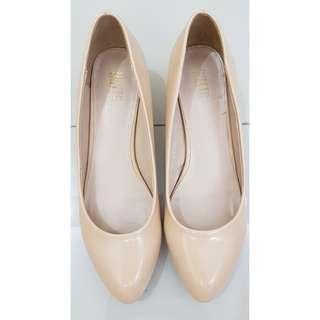 Dusto court shoes