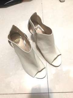 Vuro cuolo high heels