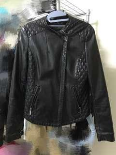 🚚 Zara騎士風人造皮衣