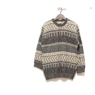 🚚 ✔️極美灰白色混針織層層幾何圖形寬鬆毛衣 日本帶回 只有一件
