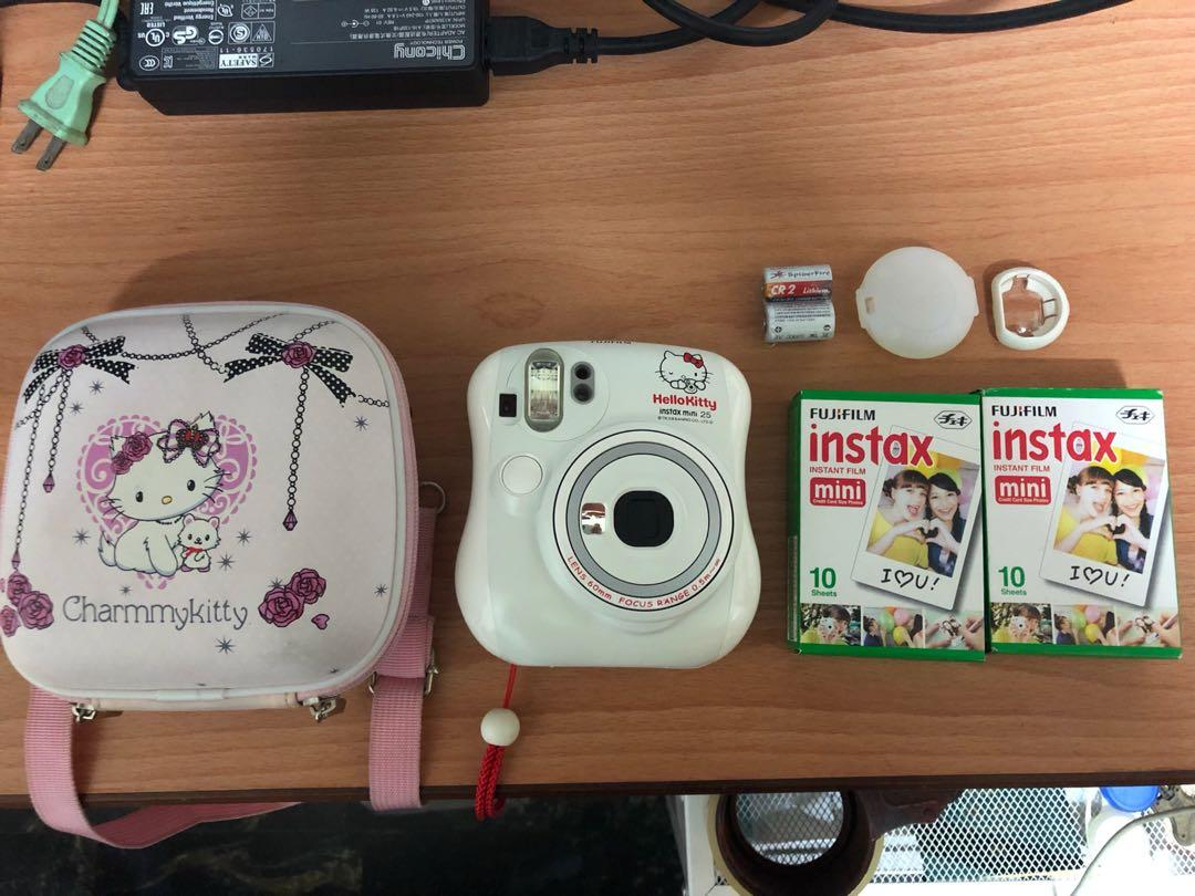 富士拍立得 mini25 hello kitty 限定版 附 28張底片 近拍鏡 電池 相機包