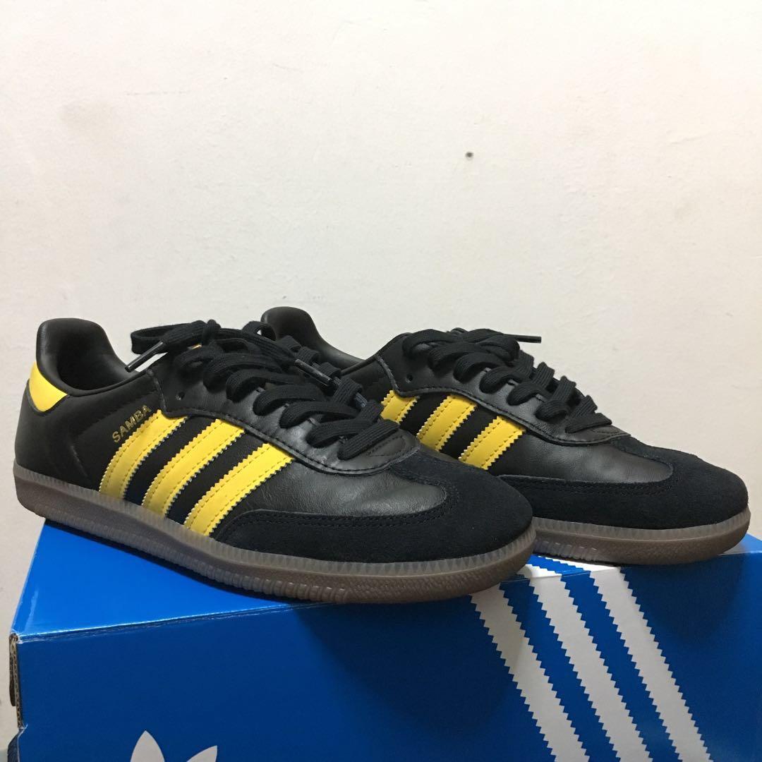 d8704cb25 Adidas Samba Colourway Black Yellow, Fesyen Lelaki, Kasut Lelaki, Sneakers  di Carousell
