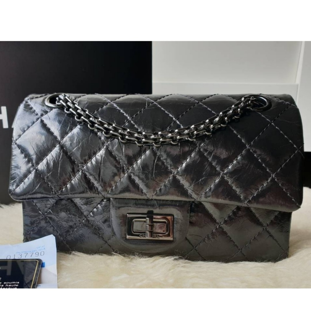 373ff6e082a2 Authentic Chanel Mini Rectangle Reissue 224 Bah, Barangan Mewah, Beg dan  Dompet di Carousell