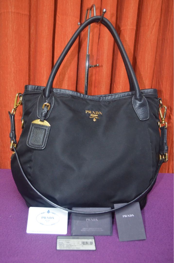 ad2ce9c5427e Authentic Prada Bag