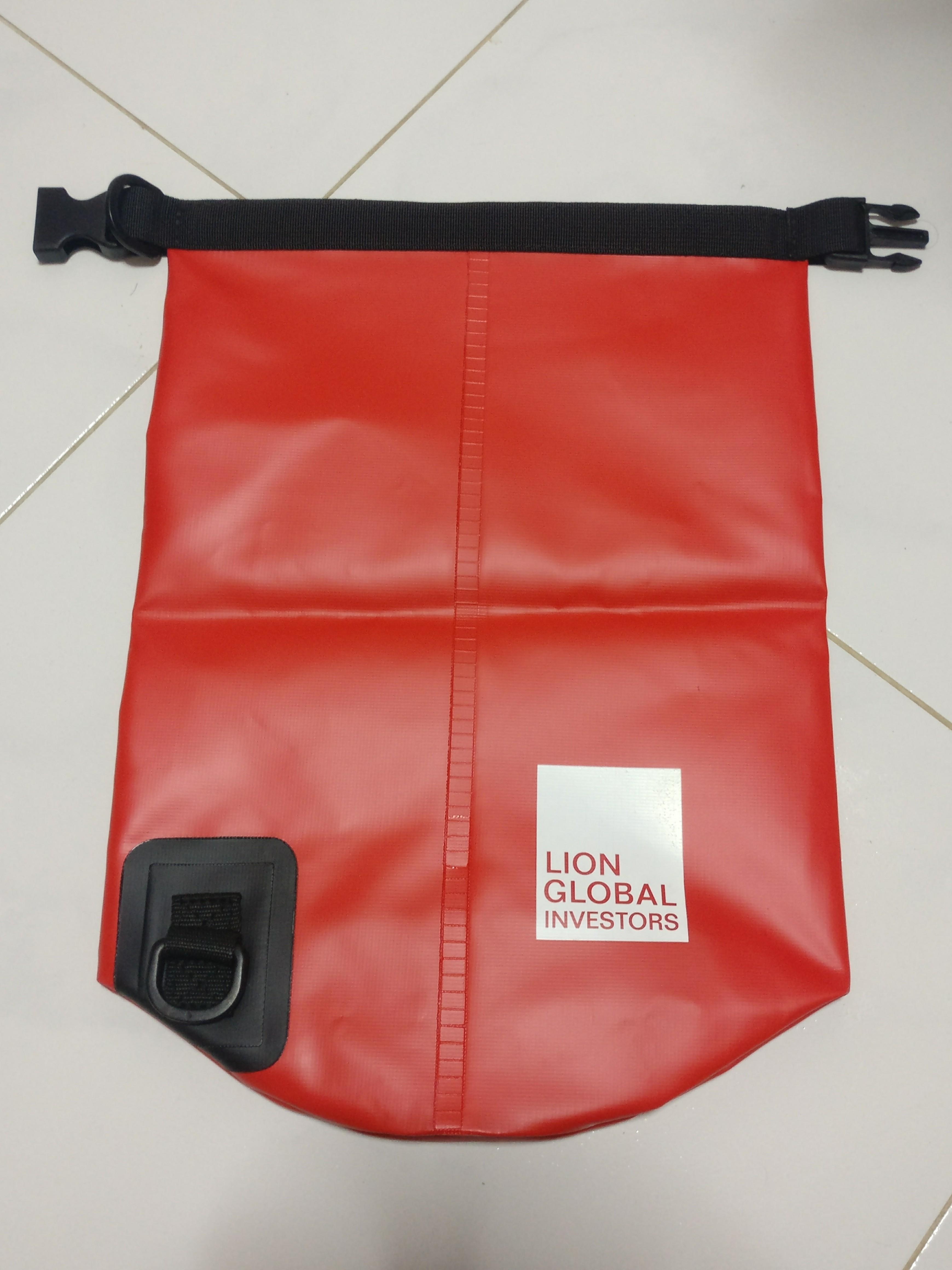 243514b212 BNIB Waterproof Dry Bag 5 liters