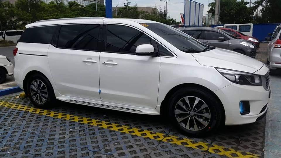 2018 Kia Grand Carnival with Big discount, stock on hand. Get it now!