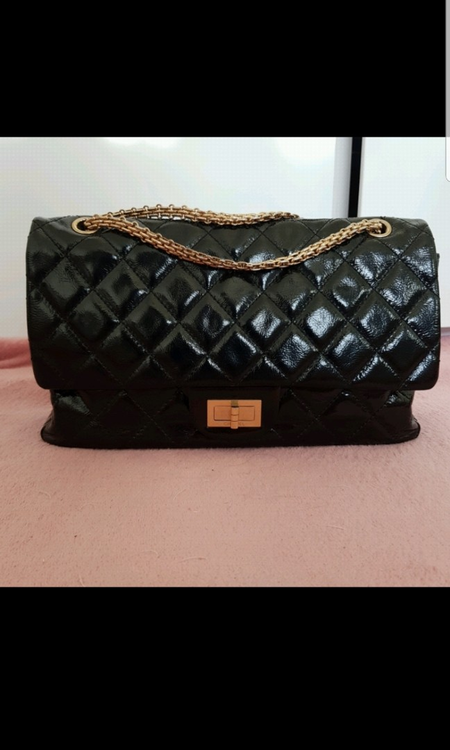c4d3acebad9af3 Chanel authentic reissue size 227 ghw, Luxury, Bags & Wallets ...