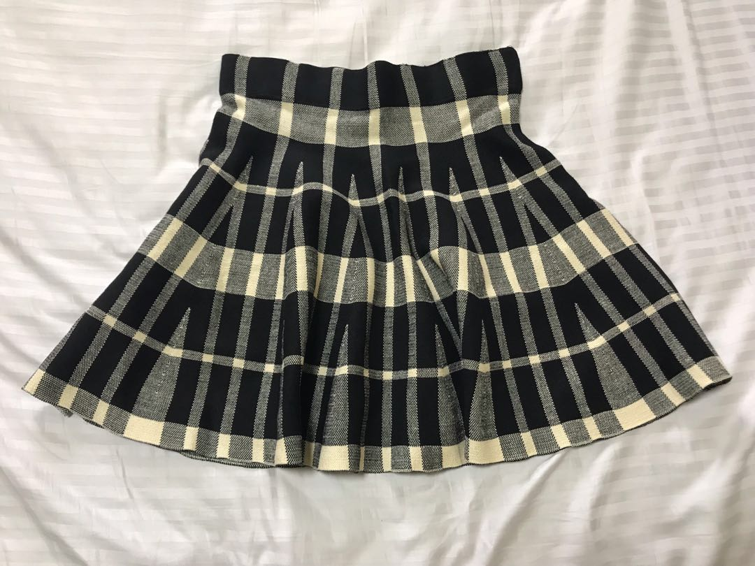7589d6c5e Checkered flare short skirt, Women's Fashion, Clothes, Dresses ...
