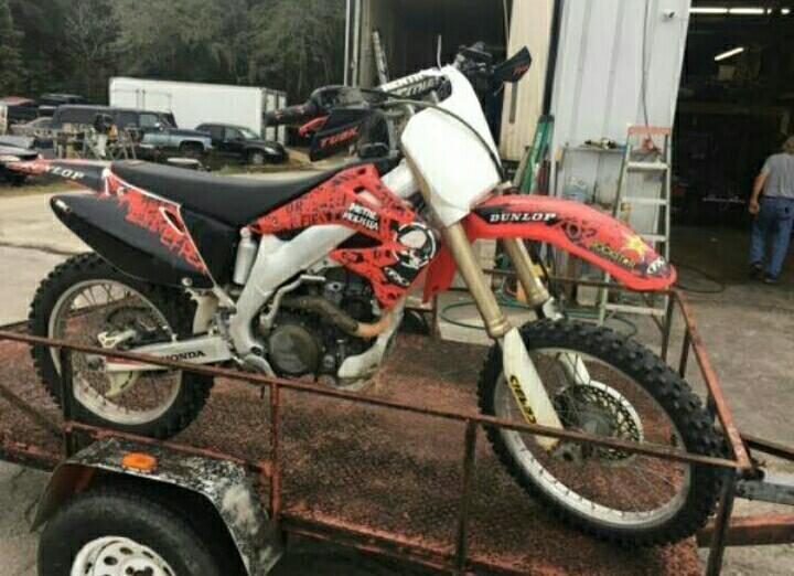 2004 Honda CRF250 Dirt Bike