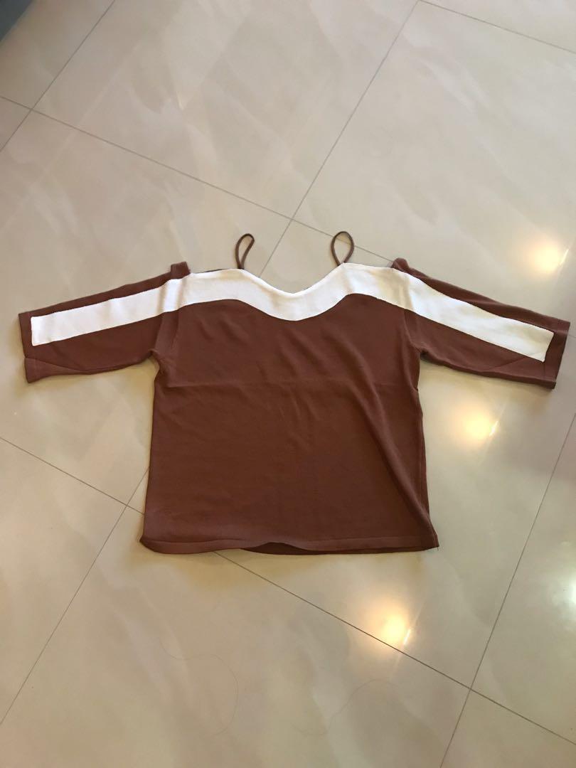 1f6dc296e477 Dresserella brown   white off shoulder   cold shoulder knit TOP ...