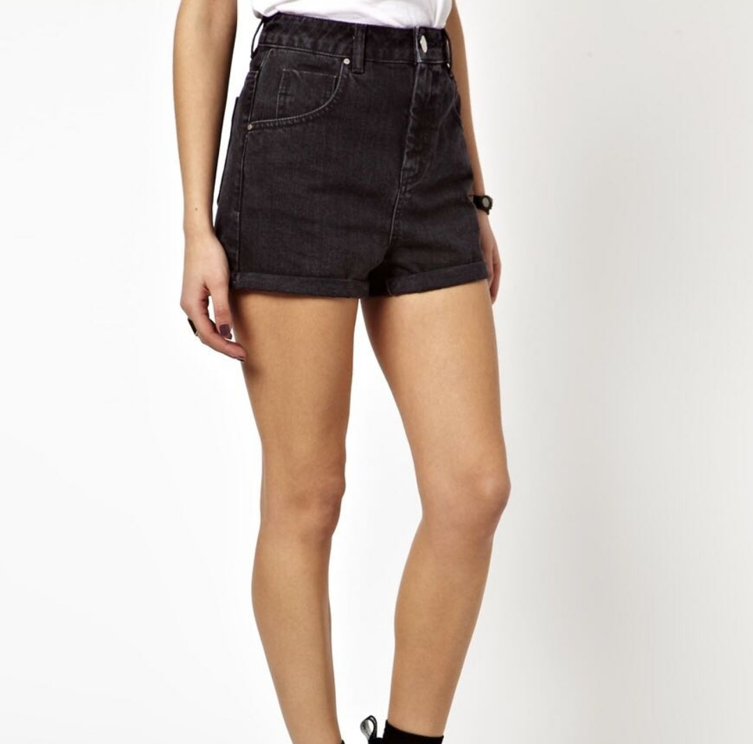 5f463ec5d3 Factorie Black High Waist Mom Shorts, Women's Fashion, Clothes, Pants, Jeans  & Shorts on Carousell