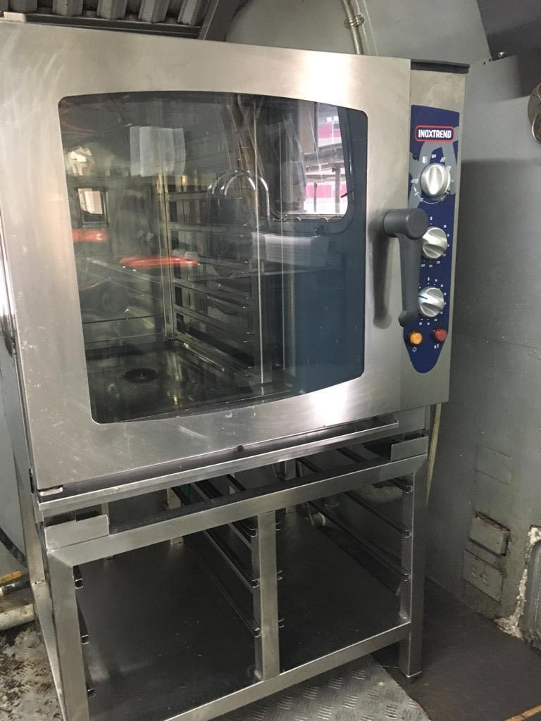 Gas combi oven (8 tray )