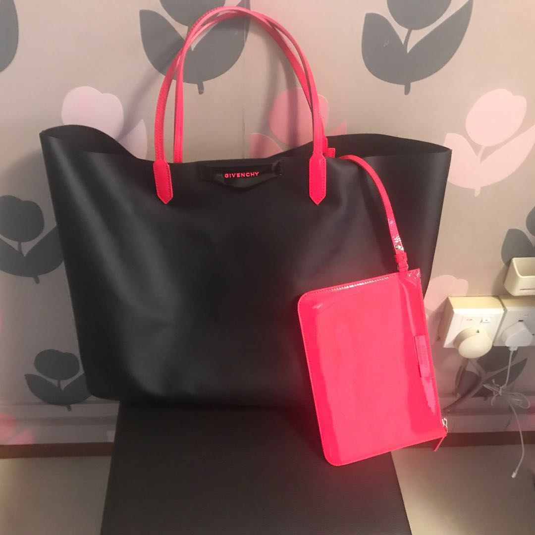 4f4418e15997 Givenchy Antigona