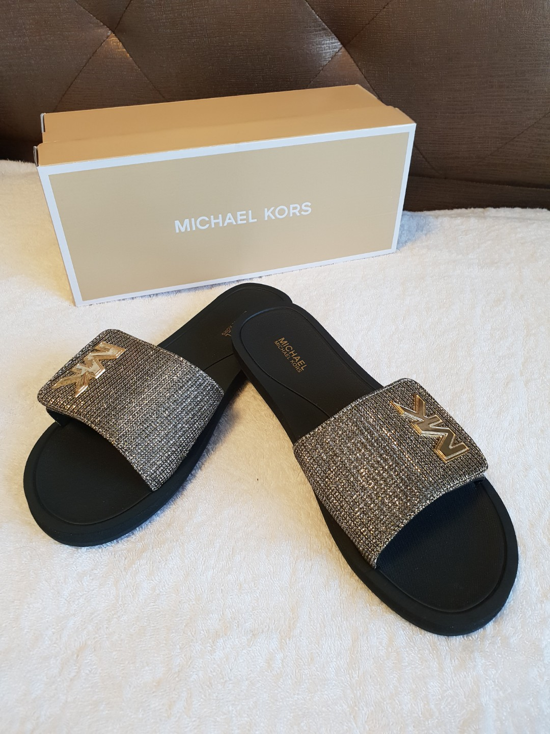 012e705b3d2 Michael Kors Slippers, Luxury, Shoes on Carousell