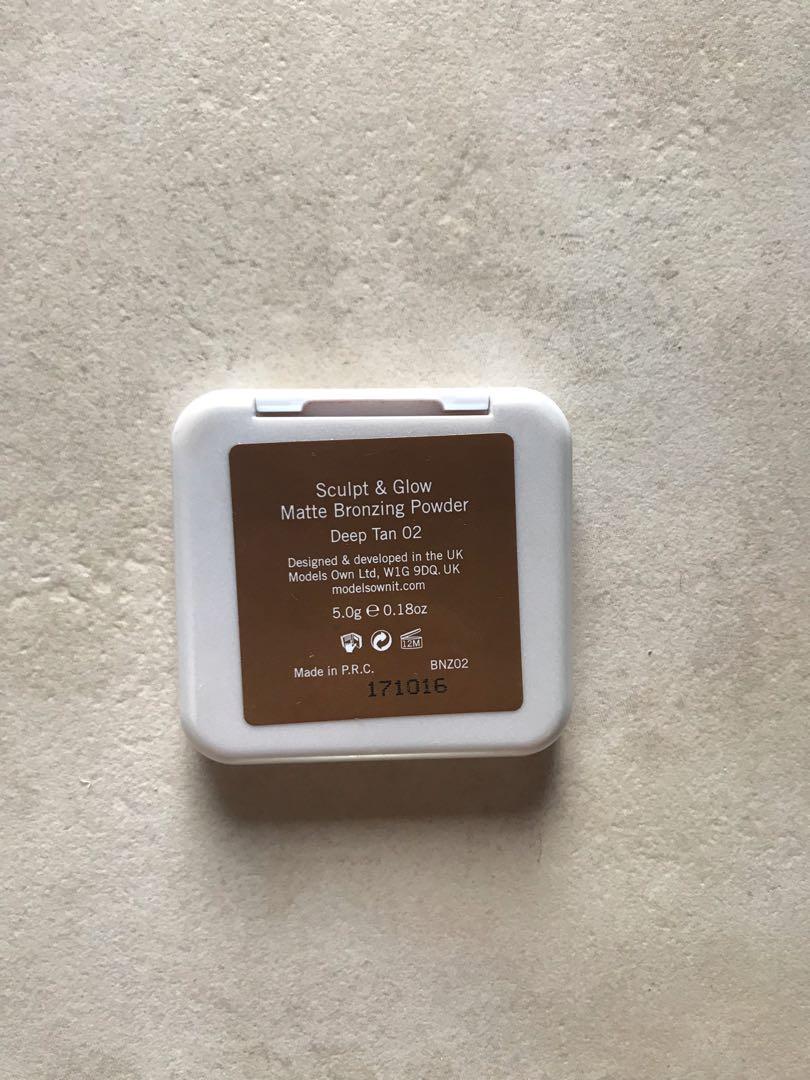 MODELS OWN Sculpt & Glow Contouring Bronzing Powder - Deep Tan
