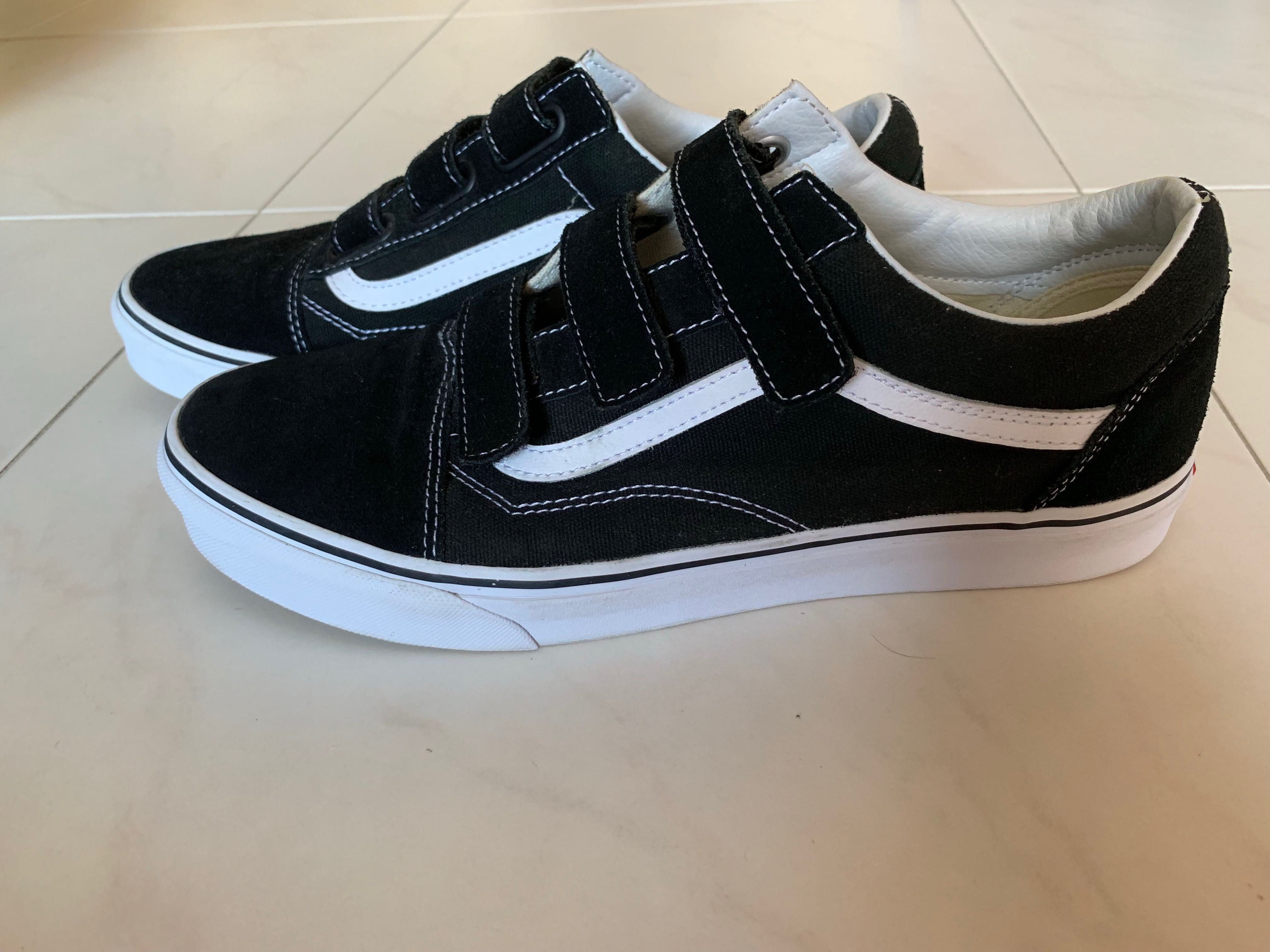 9adb9672e7bf48 Old Skool V Suede and Canvas Sneakers VANS