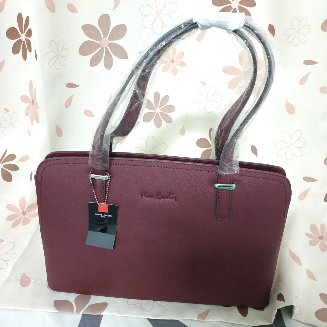 Authentic red wine color Pierre Cardin leather handbag d4ccba4692379