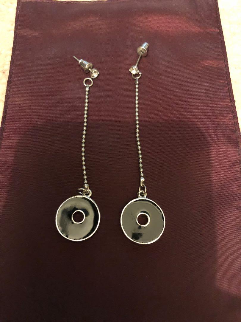 Two toned black & diamontie drop earrings