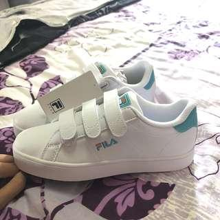 *NEW* Fila Sneakers in White/Blue, EUR 38.5/US 6 (Free smartpac w tracking with payment made within 8 hours)