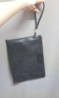 Tas kulit kecil