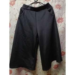 Black Cullotes/Square Pants
