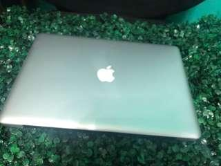 Macbook pro 15inch 4gb ram 250gb