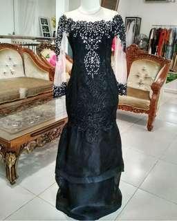 Gaun kebaya hitam payet