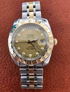 Tudor automatic Swiss watch   ——tag Rolex