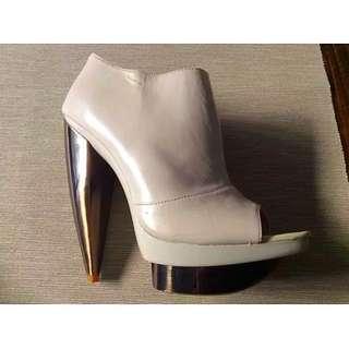 Near New Estilo Emporio Peep toe boots