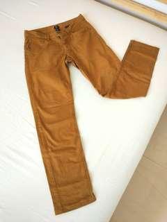 Celana Jeans slim fit warna coklat kekuningan