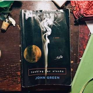 📚PRE-LOVED BOOKS FOR SALE📚 LOOKING FOR ALASKA