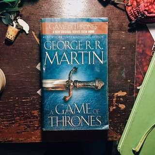 📚PRE-LOVED BOOKS FOR SALE📚 GAME OF THRONES by GRRM