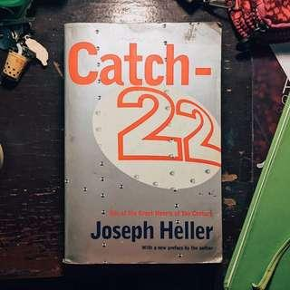 📚PRE-LOVED BOOKS FOR SALE📚 CATCH 22