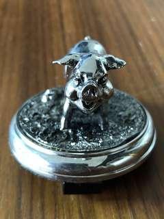 Pewter Pig 🐷